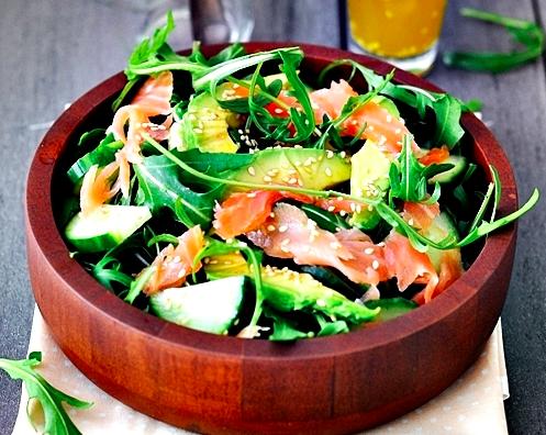 Salade avocado + gerookte zalm